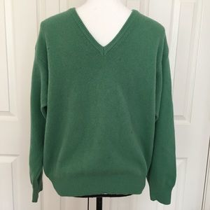 Benetton wool green v neck holiday sweater